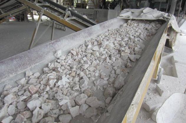 Sau khi ra khỏi lò nung, đá vôi được phân loại