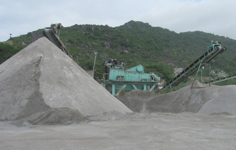 Công đoạn xay nghiền phân loại đá